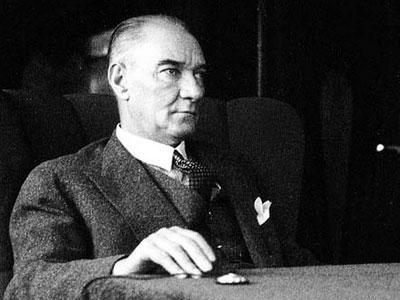 Bakırköy Kadın Meclisi Atatürk'ü Şükran ve Minnetle Andı