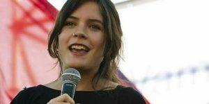 """Dünyanın en başarılı öğrenci lideri """"Camila Vallejo"""" Millet Vekili Seçildi"""