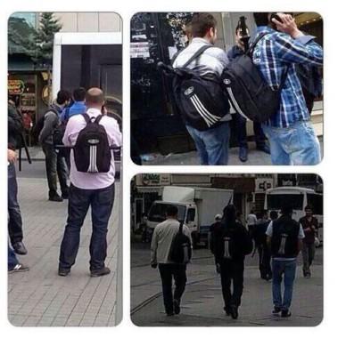 Sırt çantalı polislar