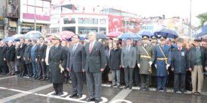Cumhuriyetimizin 91.yılı çelenk töreni ile başladı