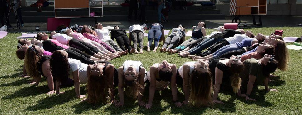 İstanbullular tüm dünyayla birlikte yoga yaptı