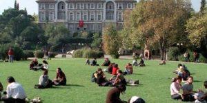 İslamcılar Boğaziçi Üniversitesinde Uyarı Yaptı.