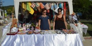 Kilyos'ta CHP'li  kadınlar sergi açtı.