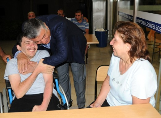 Başkan Şükrü Genç Engelliler Yaz Kampında