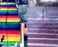 Zavallı AKP Belediye Başkanı. Merdivenleri Kendi Boyatmak Zorunda Kaldı