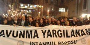 """""""Savunma Yargılanamaz"""" Avukatlar Taksim'de Yürüyor"""