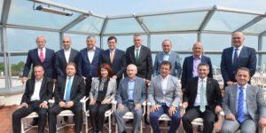 Kılıçdaroğlu İstanbul'da CHP'li başkanlarla buluştu