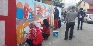 Sanat Meclisi Küçükarmutlu'da evleri boyadı