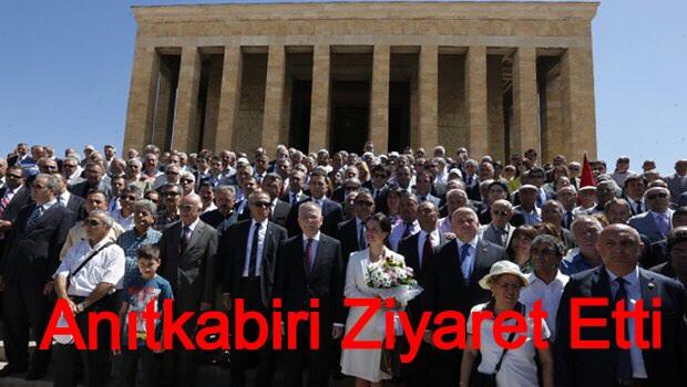 İhsanoğlu Anıtkabir'i Ziyaret Etti.