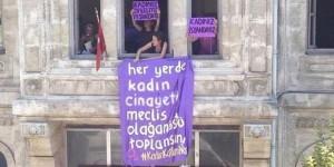 Bakanlığı Bastılar, Kadın Cinayetlerine Feministlerden Tepki