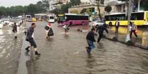 İstanbul Yine Sel'e Teslim Oldu.