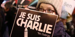 Charlie Hebdo için sokaktayız