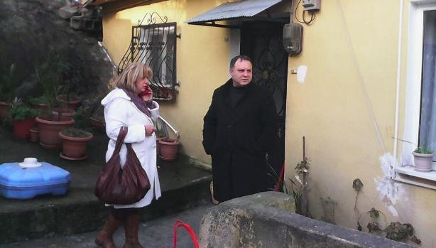 Muhtar Yardım Ederken Bıçaklandı