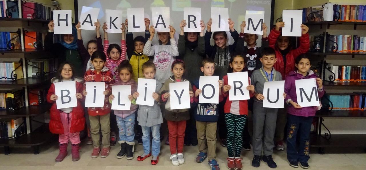 Öğrenciler, Dünya Çocuk Hakları Günü'nü Kutladı