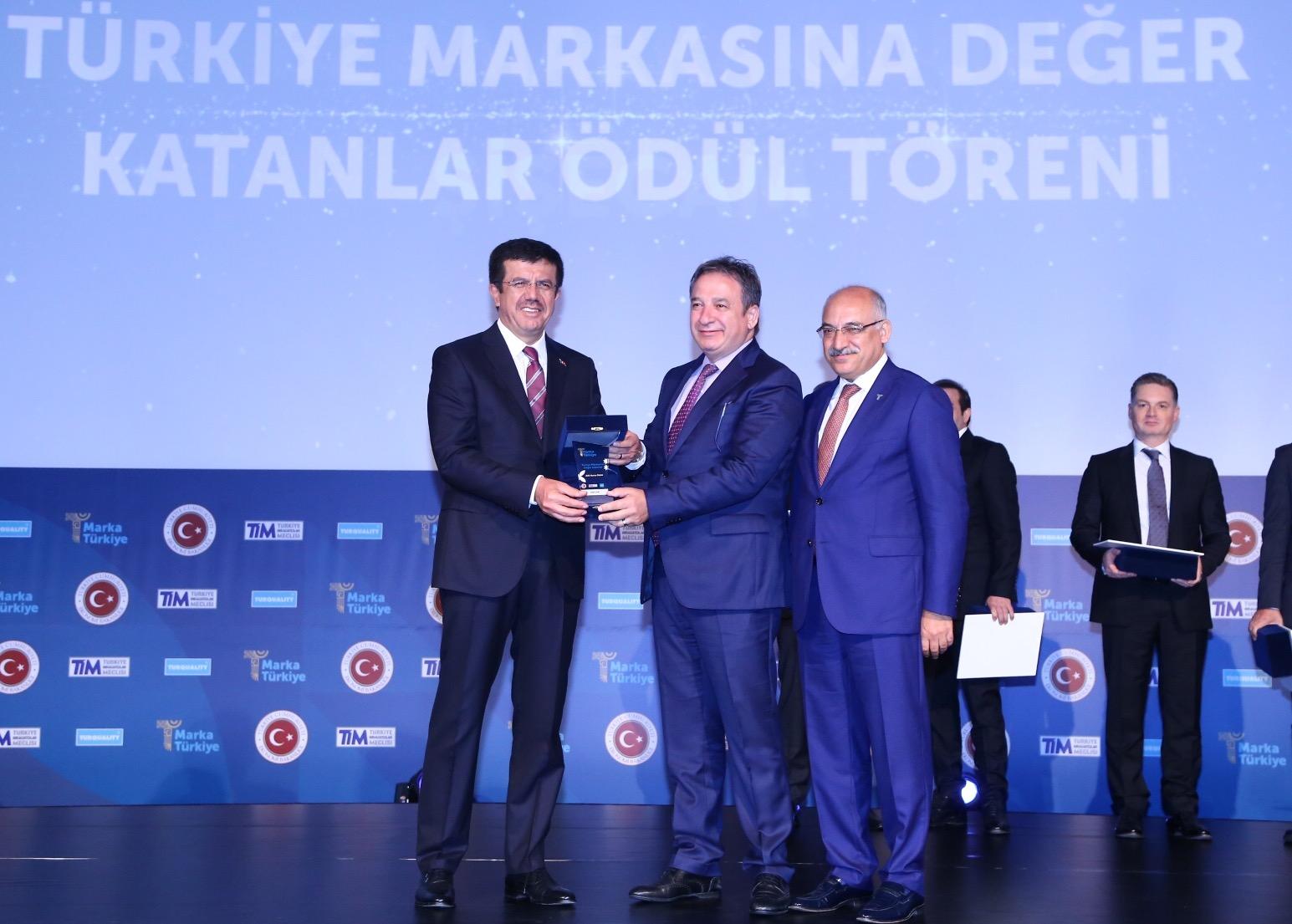 ŞİŞECAM'A 'DEĞER KATAN MARKA' ÖDÜLÜ