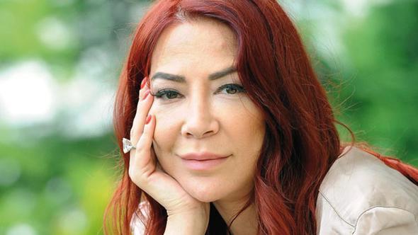 Hürriyet Kelebek yazarı Ayşe Aral, 46 yaşında hayatını kaybetti.