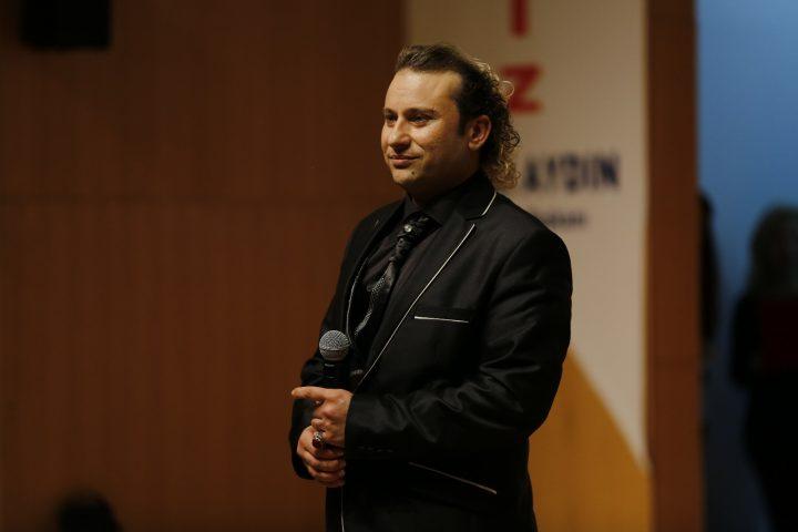 Onur Akay'dan Ekrem İmamoğlu'na 'Alın Teri Çiçeğisin' şarkısı!