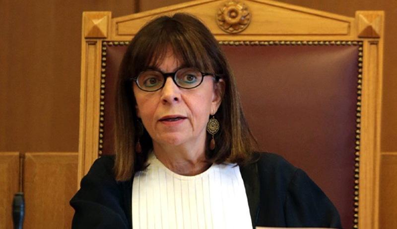 Ekaterini Sakelaropulu Yunanistan'da ilk kadın cumhurbaşkanı seçildi