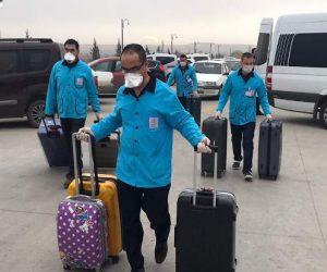 Yüksek ateş ve kusma şikayeti nedeniyle 10'u Çinli 12 kişinin tedavisi sürüyor.
