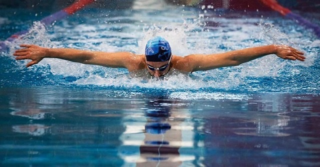 Engelleri Aşan Yüzücü
