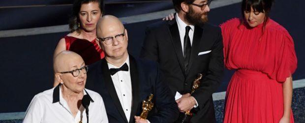 Oscar aldı, Julia Reichert, Komünist Manifestolu' mesaj