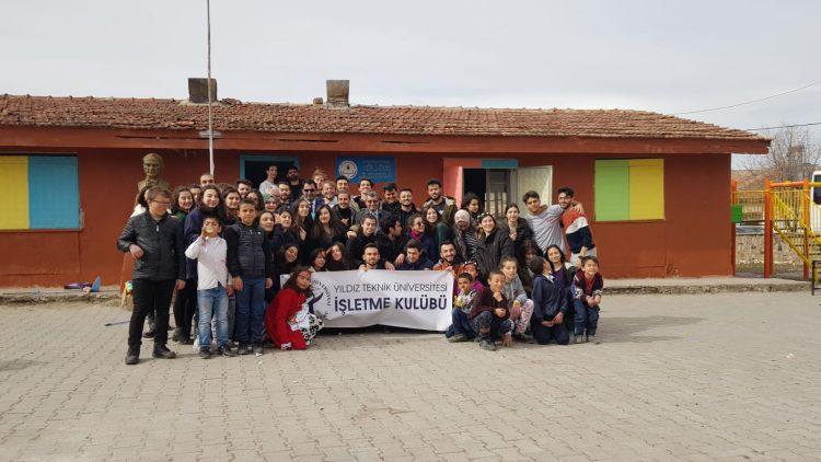 """Yıldız İşletme Kulübü """"Yıldızlı Gülüşler"""" için Nevşehir'deydi!"""