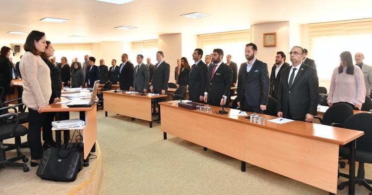 Maltepe Meclisi'nde şehitler için saygı duruşu