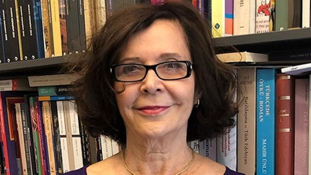 2020 Erdal Öz Edebiyat Ödülü'nün sahibi Jale Parla