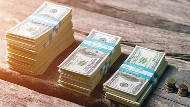 Sterlin 10 lirayı gördü, dolar 7,80 lirayı zorluyor