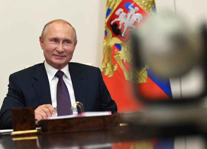 "Putin: ""Rusya, koronavirüse karşı ikinci aşıyı tescil ettirdi"""