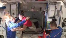 SpaceX mekiği 4 astronotu başarıyla ISS'ye götürdü
