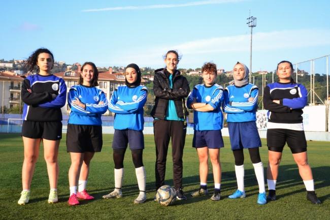 Futbolda kadınların zamanı, Erkek işi değil, Ekip işi