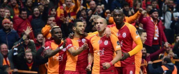 Galatasaray, Trabzonspor'u yenerek liderlik koltuğuna yükseldi