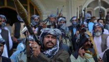 Taliban Kabil'e girmeye başladı